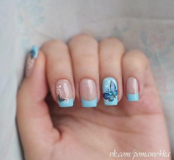 Маникюр голубой френч