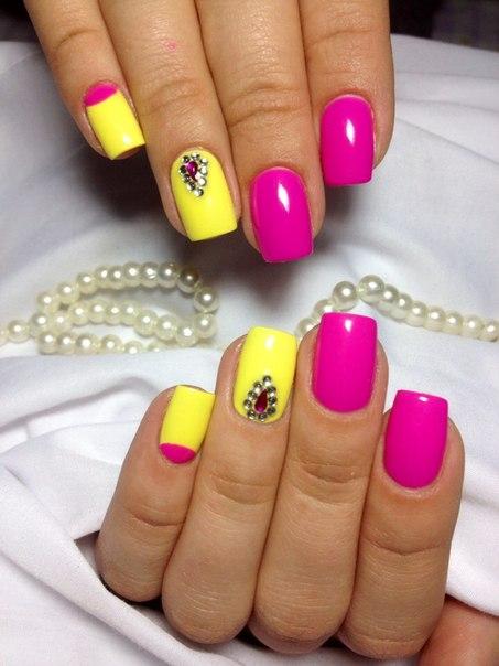 Дизайн ногтей жёлтый с розовым