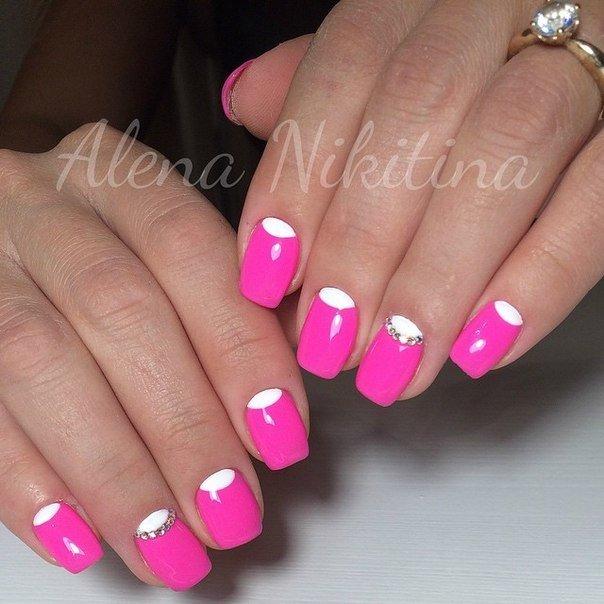 Розово-белый дизайн