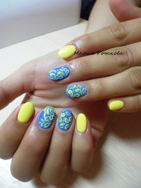 Желтый с голубым маникюр фото
