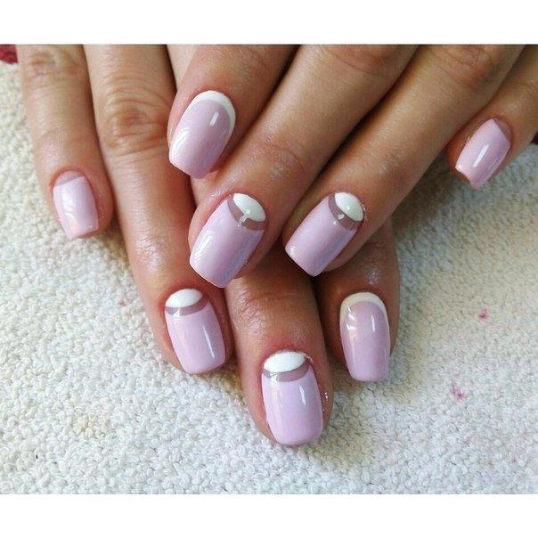 Лунный нежно розовый маникюр