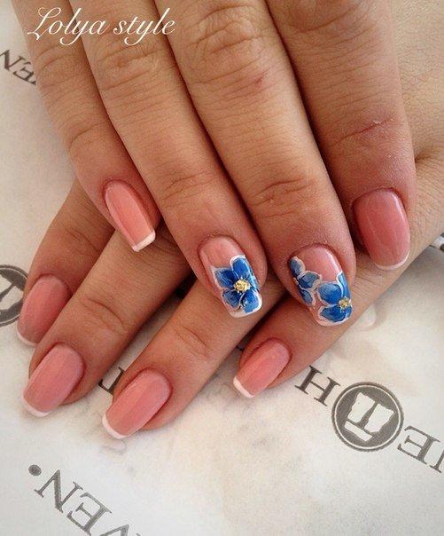 Френч с синими цветами