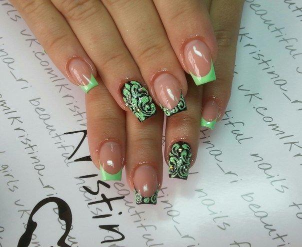 Яркие рисунки на ногтях с френчем