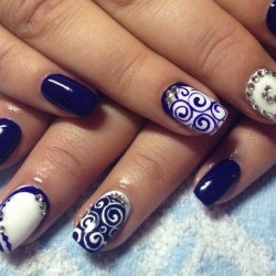 Дизайн ногтей белый перламутровый