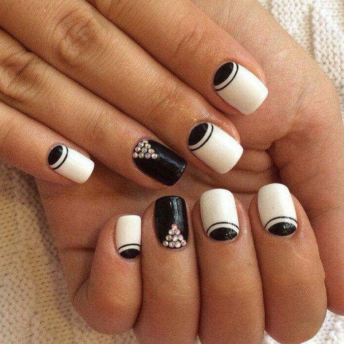 Ногти шеллак черно белый