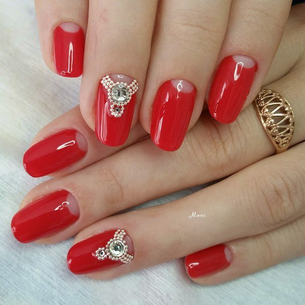 Гель лак дизайн с красным цветом