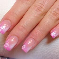 Нежно-розовый френч фото