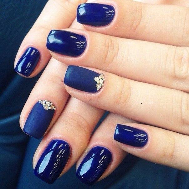 Маникюр синего цвета на короткие ногти фото дизайн