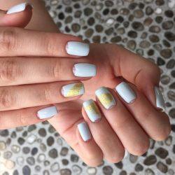 Дизайн ногтей литье золотом фото