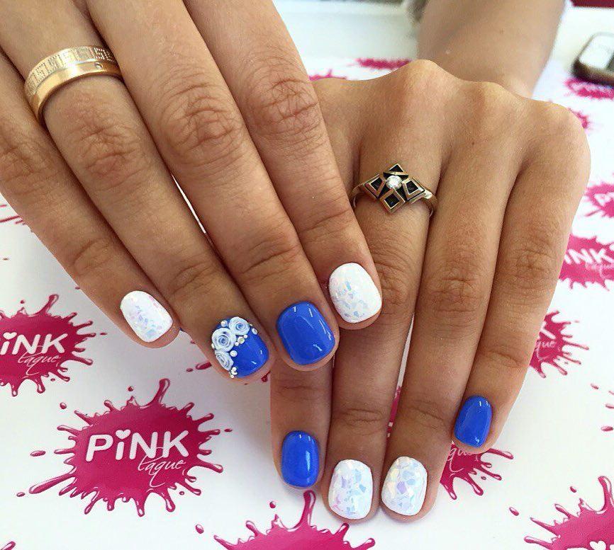 Сине белый дизайн ногтей