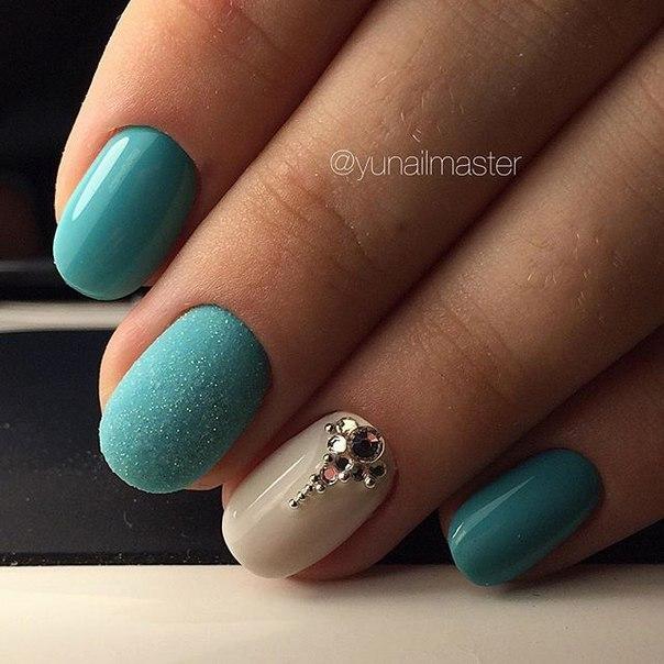 Шеллак бирюзовый на короткие ногти