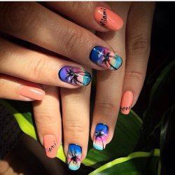 Дизайн ногтей море и пальмы