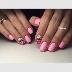 Красивый розовый маникюр фото