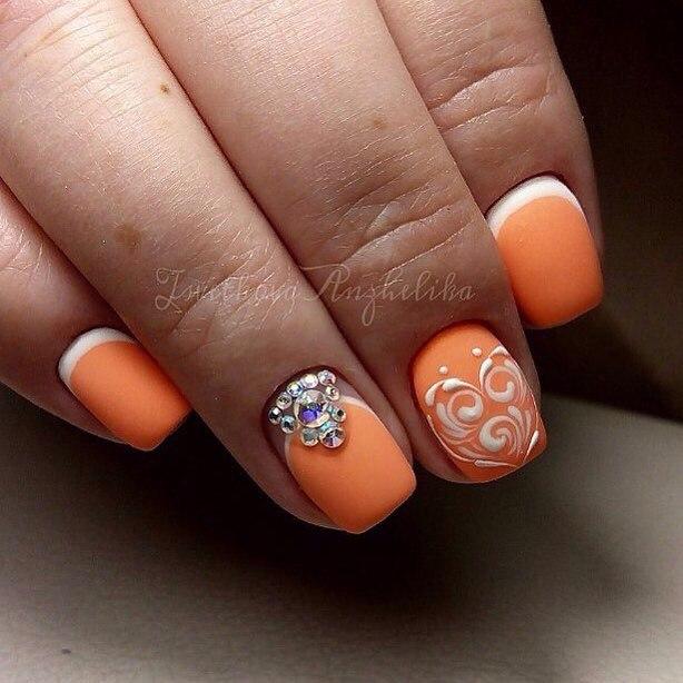 маникюр в оранжевом цвете фото