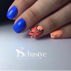 Летний оранжевый маникюр фото