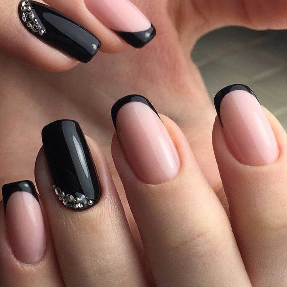 Темный маникюр на ногти разной длины - фото 83