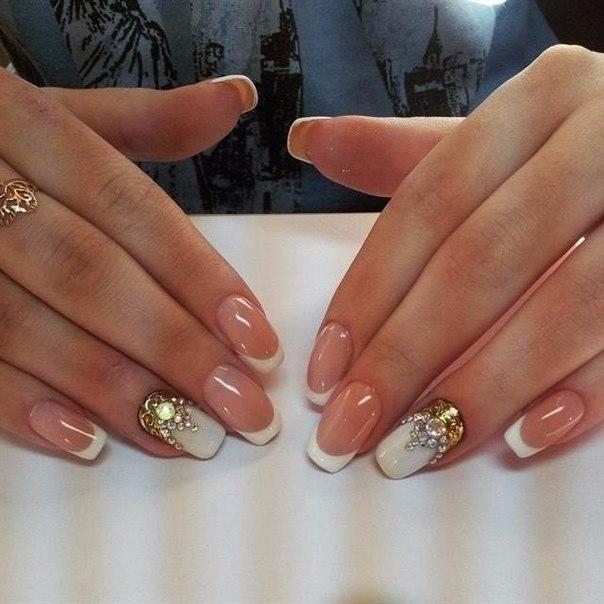 Дизайн ногтей фото белый френч с золотом