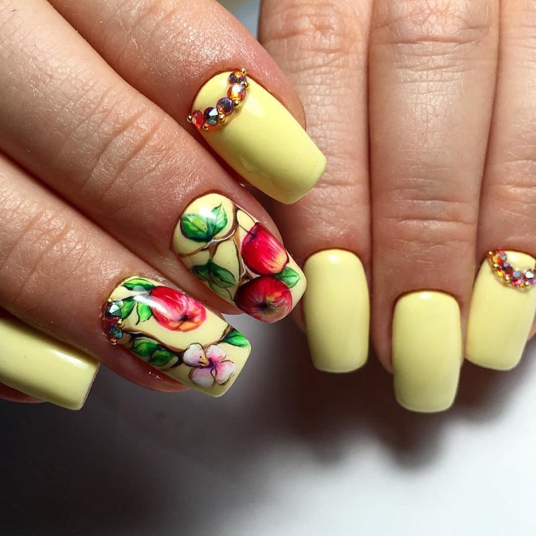 Летний дизайн ногтей, яркий летний маникюр с цветами 99