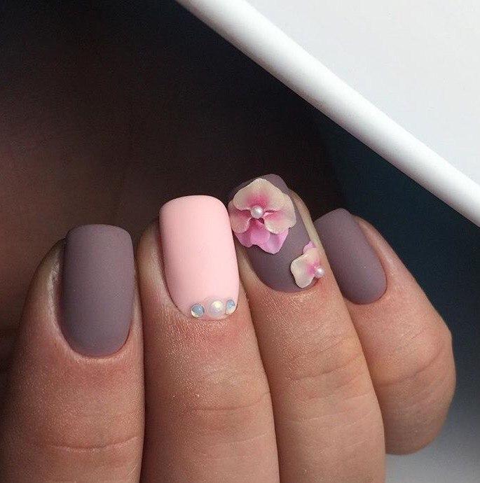 Матовые пастельные ногти