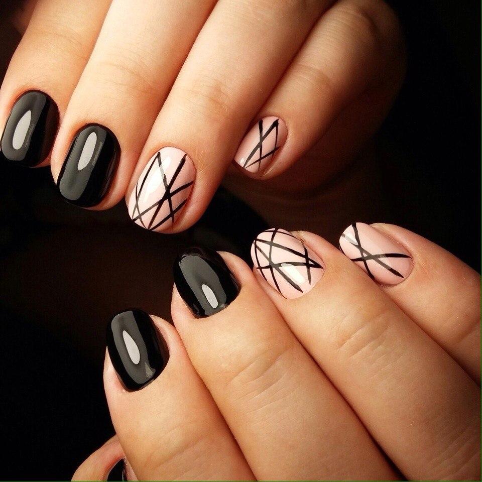 Фото маникюра на короткие ногти с черным