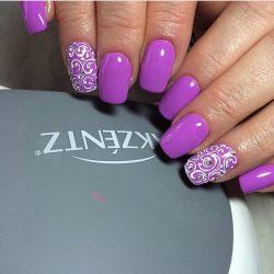 Красивый фиолетовый маникюр фото