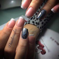 Блестящий дизайн ногтей фото