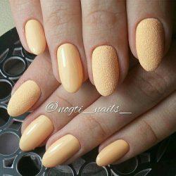 Желтый дизайн ногтей фото