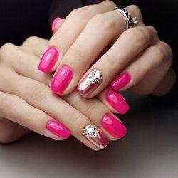 Дизайн ногтей малиновый фото
