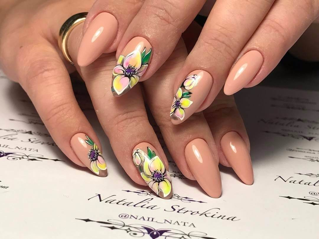 Красно синий дизайн для ногтей