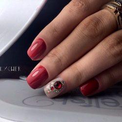 Маникюр на средние ногти фото