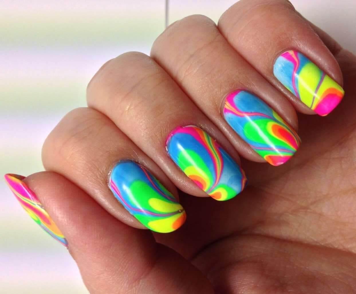 Дизайн ногтей яркие цвета