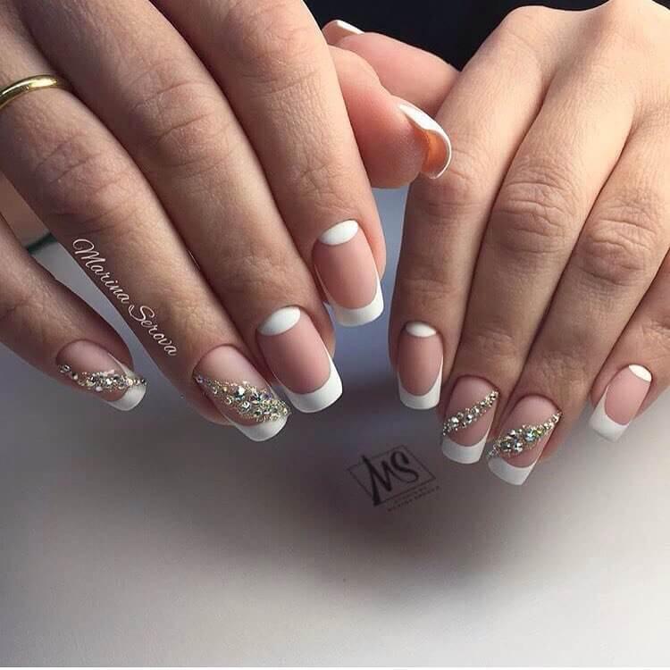 Красивый дизайн ногтей френч 2018 новинки со стразами