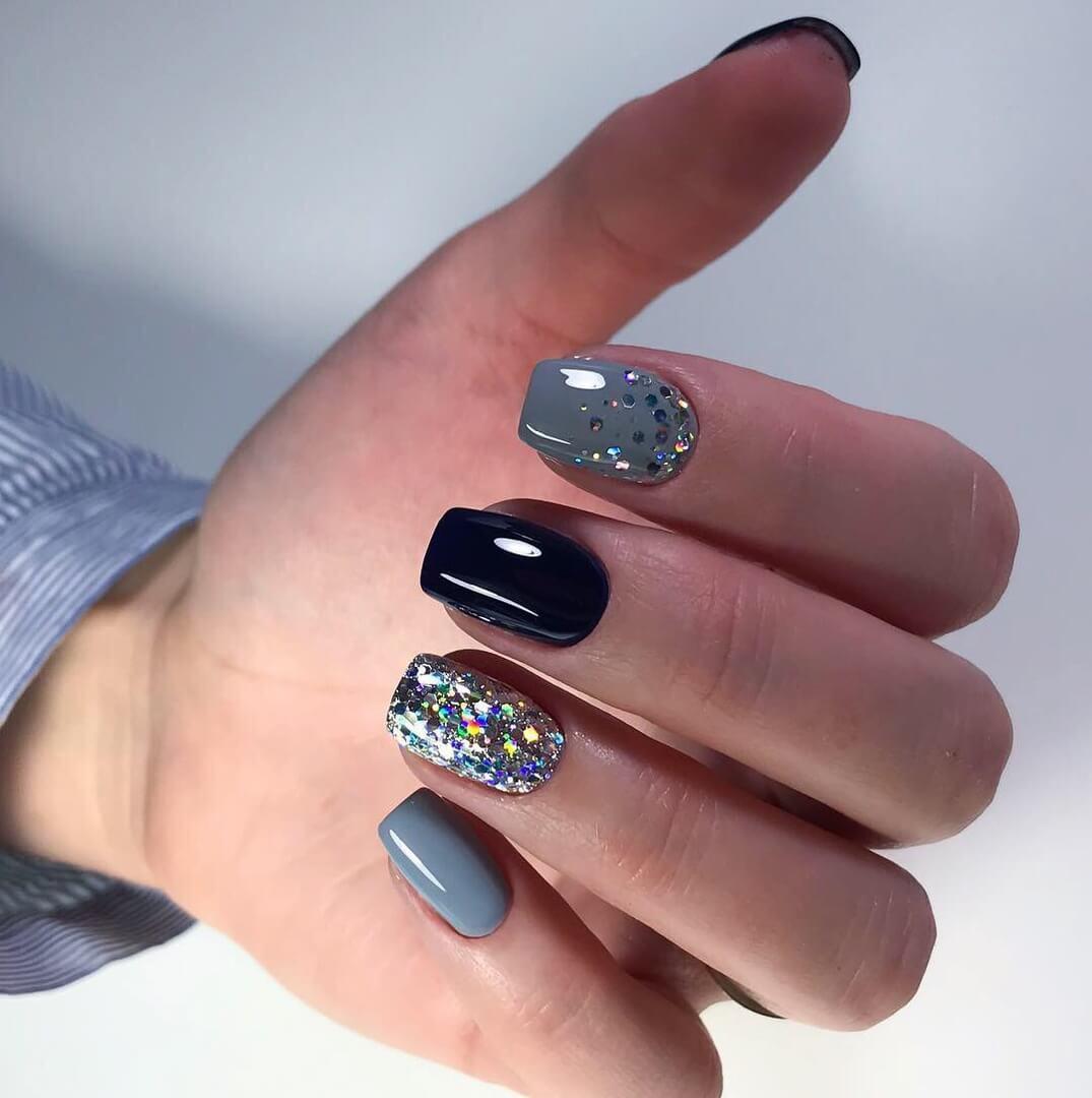 элегантный дизайн ногтей серый с блестками