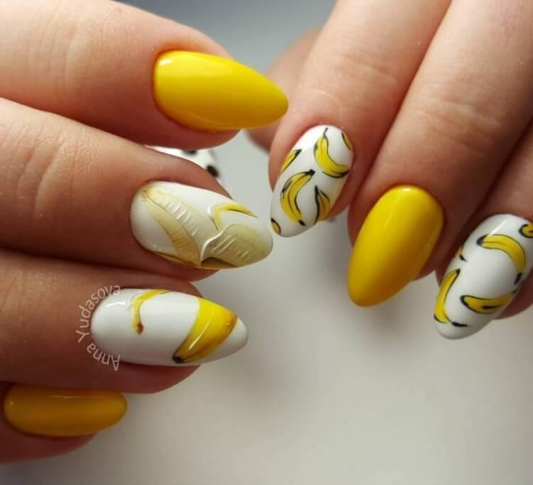 Матовый маникюр серый с желтым
